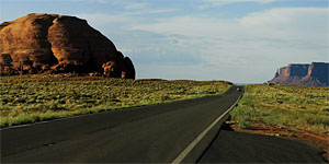 Road from Kayenta to Monument Valley